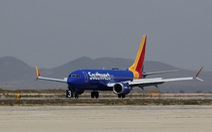 Boeing 737 MAX 8 hạ cánh khẩn cấp ở Mỹ vì lỗi động cơ