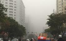 Trời mù mịt, không khí ô nhiễm bao phủ Hà Nội