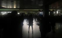 Lại cúp điện cả nước, Venezuela cho toàn dân 'nghỉ phép'