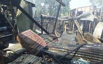 Cháy rụi 10 căn nhà ở An Giang nghi do... đốt rơm