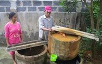Cách trung tâm huyện vài cây số, hàng ngàn hộ dân 'khát' nước sạch