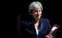 Nghị sĩ  Đảng Bảo thủ thúc ép Thủ tướng May rời EU bằng mọi giá