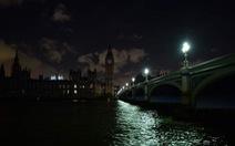 Tháp Eiffel, Kim tự tháp… tắt đèn hưởng ứng 'Giờ Trái đất'