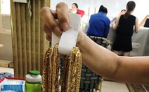 Trả 225 lượng vàng và gần 5 tỉ cho chủ tiệm vàng