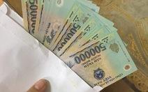Nữ giáo viên trả lại 10 triệu đồng trong túi quần áo cũ được tặng