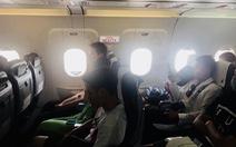 Hãng hàng không phủ nhận tự lắp thêm ghế chắn lối thoát hiểm