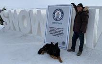 Một nông dân Canada xây mê cung tuyết lớn nhất thế giới