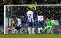 VAR 'nổ' trong hiệp phụ, Porto hạ AS Roma vào tứ kết Champions League