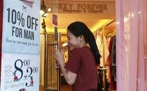 8-3: nam giới được giảm giá khi mua hàng nhạy cảm của phái đẹp