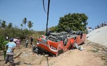 Xe khách lao vực, nhiều du khách Hàn Quốc bị thương
