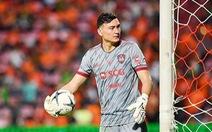 Video Văn Lâm chinh phục CĐV Muangthong United với 3 lần cứu thua liên tục