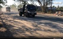 Xe tải chở vật liệu xây dựng làm khổ dân