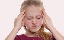 Triệu chứng đau đầu ù tai ở trẻ là bệnh gì?