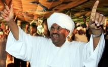 Tổng thống Sudan rơi đài vì phụ nữ