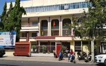 Trường có 200 nhân viên, phòng tổ chức hành chính chiếm... 54 người