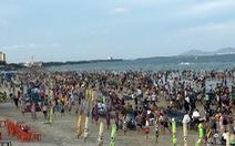 Biển Vũng Tàu chật kín du khách