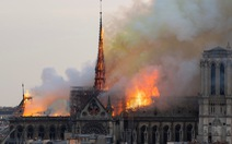 Nhiều thuyết âm mưu sau vụ cháy Nhà thờ Đức Bà Paris