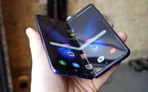Chưa ra mắt, điện thoại gập của Samsung đã bị sự cố màn hình