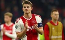 Ajax thăng hoa với 'cây nhà lá vườn'