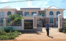 Bắt một cán bộ thanh tra huyện nghi 'ăn' tiền ăn của học sinh nghèo