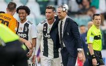 Video Cristiano Ronaldo múa hát ăn mừng chức vô địch Serie A đầu tiên cùng Juventus