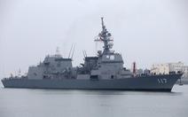Vì sao Trung Quốc nhượng bộ cho tàu chiến Nhật treo cờ hiệu?