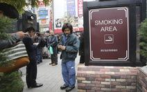 Đại học Nhật không tuyển giáo sư hút thuốc