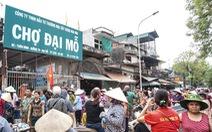 Khóa cổng chợ vì chưa thống nhất giá thuê