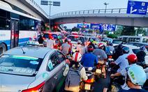 Nhiều hành khách lỡ chuyến bay do kẹt xe ở sân bay Tân Sơn Nhất