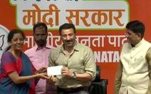 Ấn Độ bầu cử 'siêu lớn', 15 sao Bollywood ra tranh cử