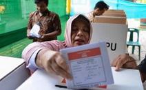 272 nhân viên kiểm phiếu Indonesia chết vì làm việc quá sức?