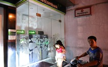 Ngân hàng khóa cửa ATM, liên tục nhắn tin cảnh báo tội phạm thẻ