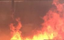 Hàng xóm đốt rác, xưởng sửa ôtô lãnh nạn, thiệt hại gần 4 tỉ đồng