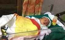 Thêm một bé sơ sinh bị bỏ rơi trước nhà dân