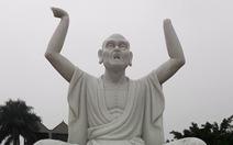 Vặt tai, bẻ tay, chặt ngón chân... 16 vị La Hán trong chùa