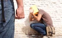 Nước ngoài 'xử' bạo lực học đường: bắt giam, đưa vào trường giáo dưỡng