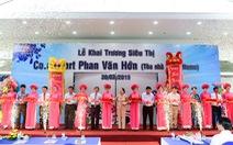 Khai trương Co.opmart Phan Văn Hớn: Kệ hàng vơi nhanh