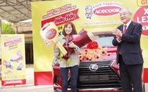 Ăn mì tôm, hai người dân Nghệ An 'rinh' xe Lexus