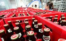 Ngăn bia 'không đặc thù' ở TP.HCM khó như… hạn chế xe cá nhân