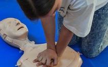 Scotland dạy học sinh hồi sức tim phổi để cứu người
