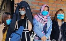 'Giải cứu' 4 cô gái khỏi quán cà phê kích dục