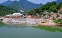 Phạt hợp tác xã đổ đất đá lấn chiếm sông Mã 30 triệu