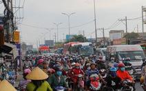 Người dân đổ về TP.HCM sau lễ 30-4