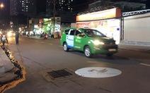Không nói không được: đèn Led quảng cáo rọi xuống đường