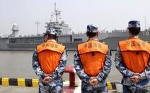 Tàu chiến Mỹ giáp mặt tàu Trung Quốc 'như cơm bữa' trên Biển Đông
