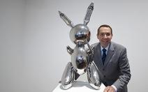 Ngắm bức tượng con thỏ không mặt bán được 91 triệu USD