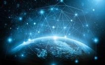SpaceX phóng 60 vệ tinh đầu tiên trong dự án cung cấp internet từ vũ trụ