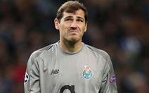 Thủ môn Casillas giải nghệ sau cơn đau tim ở tuổi 38