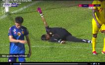 Vì sao Quảng Nam bị phạt gián tiếp dẫn đến bàn thua ở phút bù giờ?