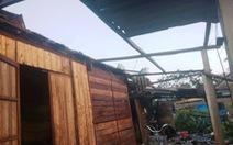 Lốc xoáy, hơn 50 nhà dân ở Hà Tĩnh bị tốc mái